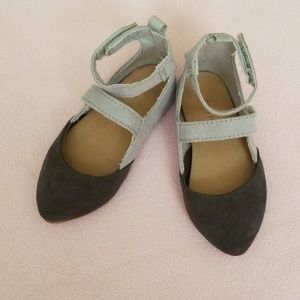 Old navy baby girl shoes Size 5